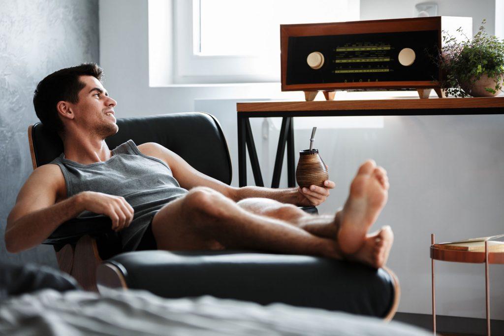 classy man cave decor ideas record player